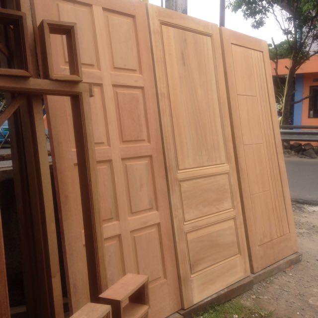 Jenis Kayu Untuk kusen dan pintu